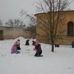 Tvoříme ze sněhu.